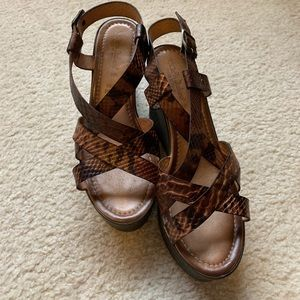 Super cute and comfortable sandals!!!